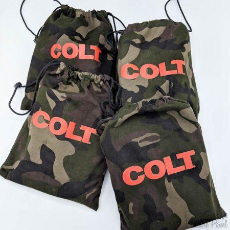 Examen des dispositifs de retenue pour cravates de porc Colt Camouflage